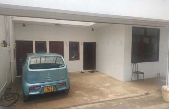 Ground Floor Three Bedroom House for Rent in Colombo 5